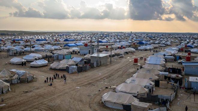 Gazetari: Për pak kohë 50 fëmijë dhe gra të kampit famëkeq do të jenë në Rinas