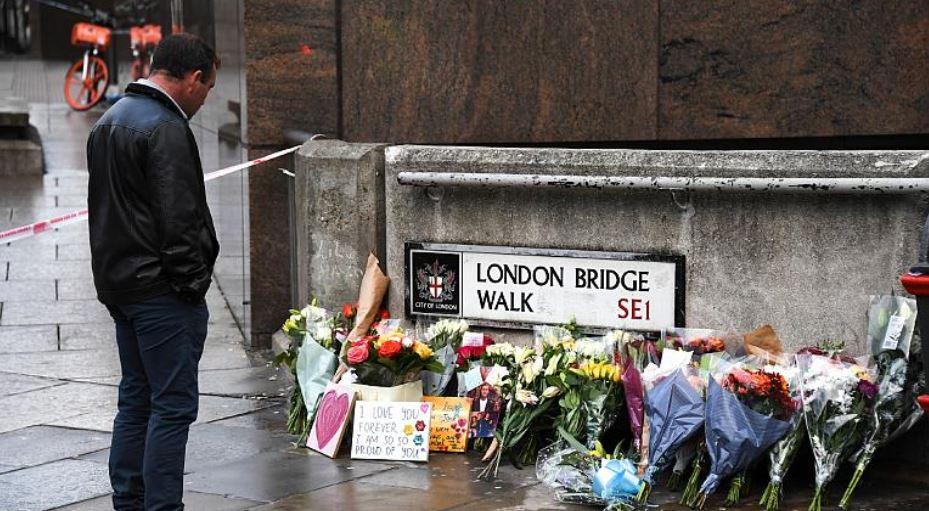 Vrasësi që ndihmoi në ndalimin e një sulmi në Urën e Londrës, fiton falje mbretërore