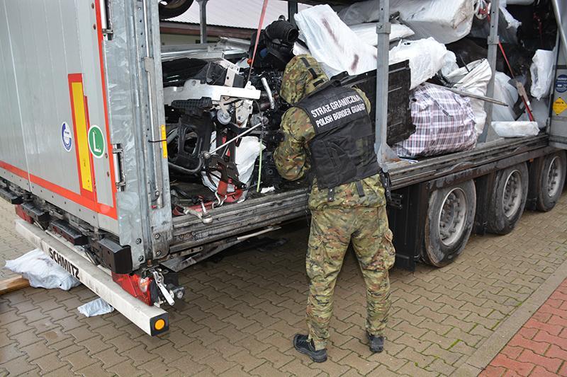 Europol operacion në 22 vende, mes tyre Shqipëria, sekuestrohen 352 makina të vjedhura