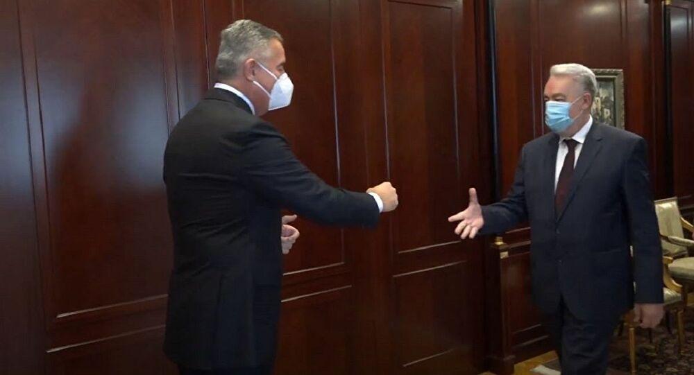 Gjukanoviç mandaton kandidatin për kryeministër, Abazoviç: Qeveria e re do të jetë evropiane