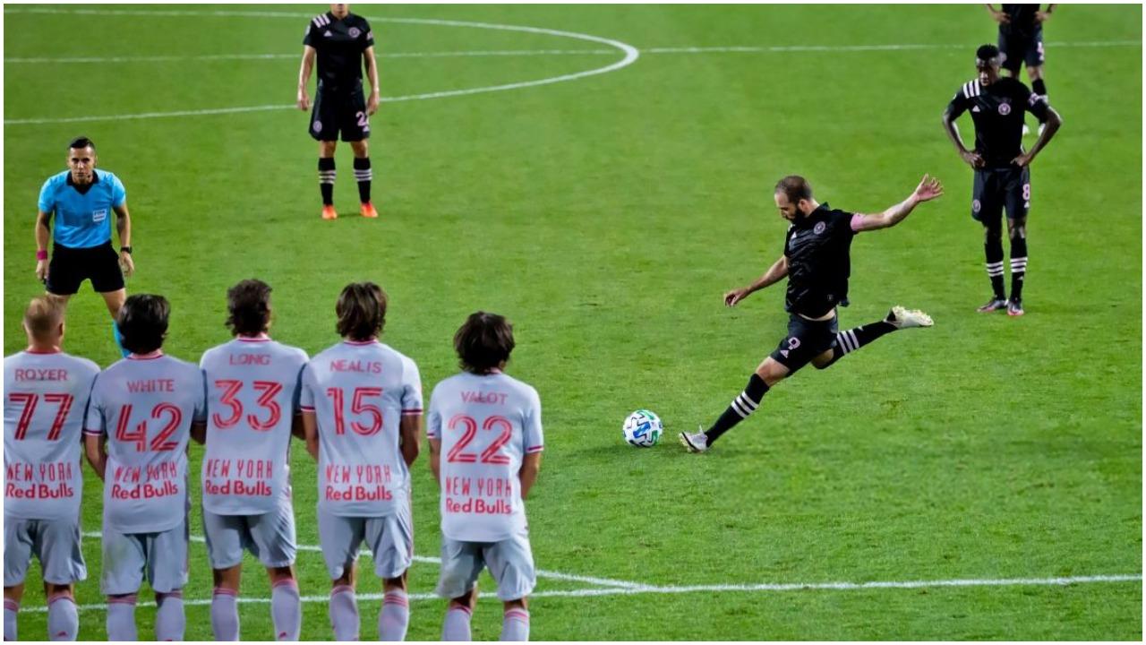 """""""Europa të mbyt, El Clasico ndalte botën"""", rrëfehet amerikani Gonzalo Higuain"""