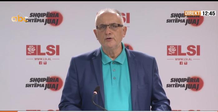 Përplasja Gjiknuri-Haliti, Vasili: Naftëtarët e Ballshit në grevë, batakçinjtë bëjnë sikur rrihen