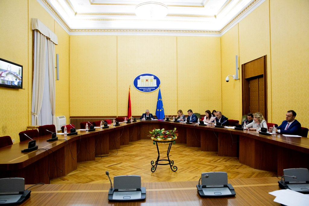 Konferenca e Kryetarëve miraton kalendarin e rishikuar për buxhetin e vitit 2021