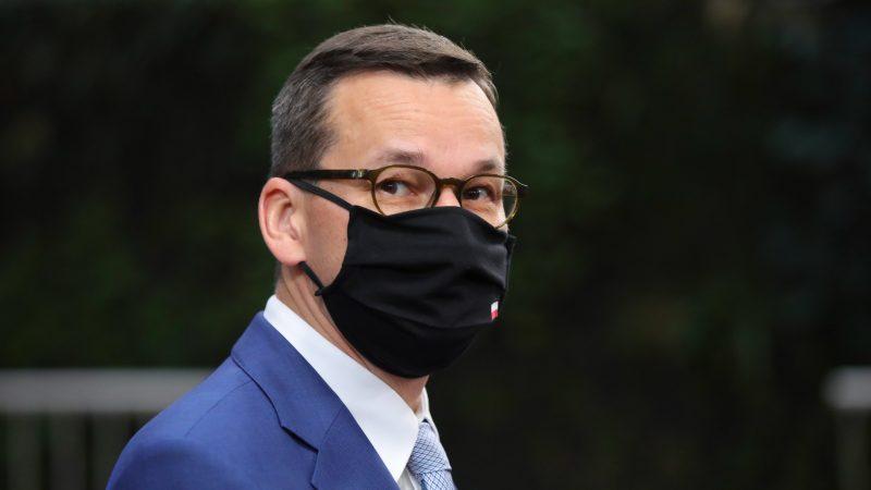 Kryeministri i Polonisë futet në karantinë