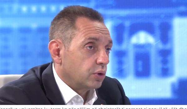 Profesori i njohur shpjegon kuptimin e fjalës që përdori ministri serb për të ofenduar shqiptarët