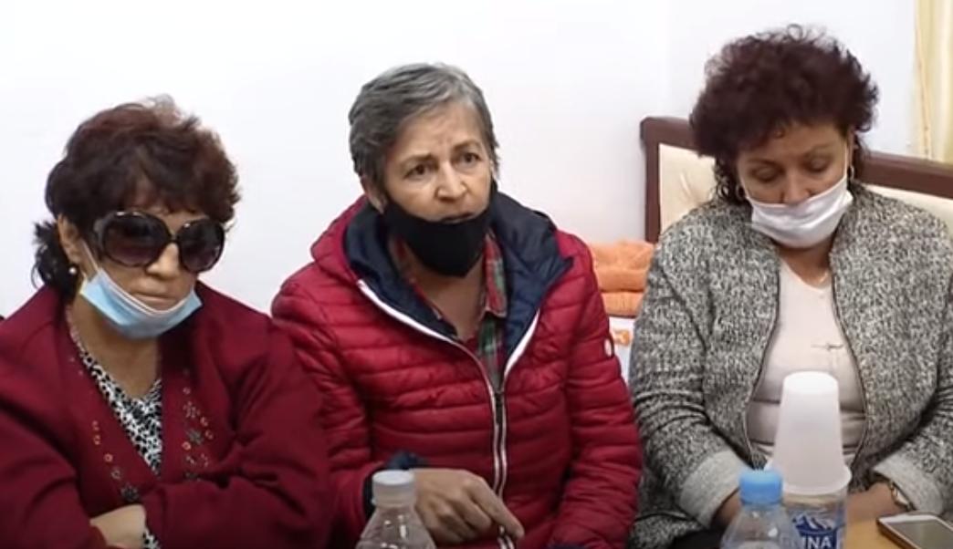 Naftëtarja në grevën e urisë: Mes nesh ka gra që vuajnë nga kanceri i gjirit
