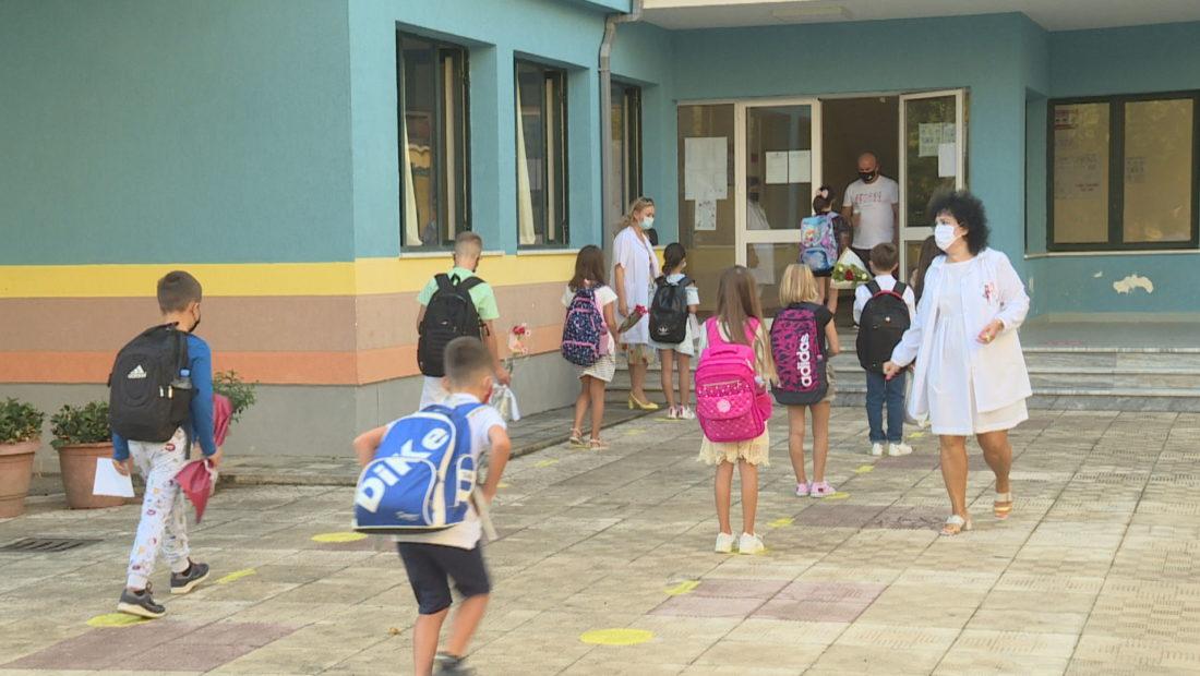 9 raste të reja me Covid në Vlorë, mes tyre një mësues