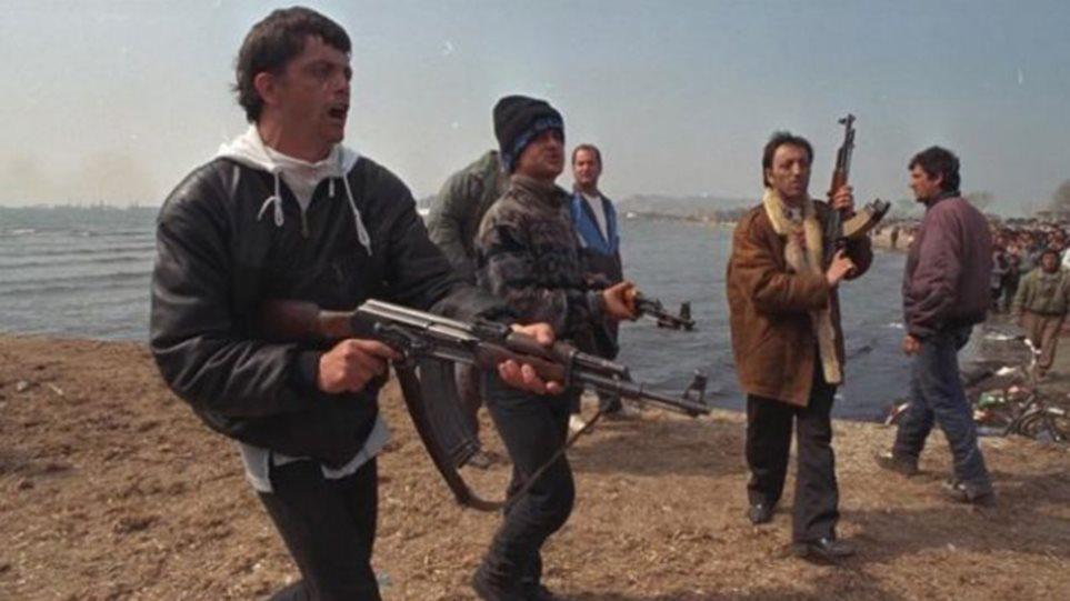 Shqipëria e 97-ës në kujtimet e gazetarit grek: Konflikti veri-jug dhe plaçkitja e depove të Ushtrisë