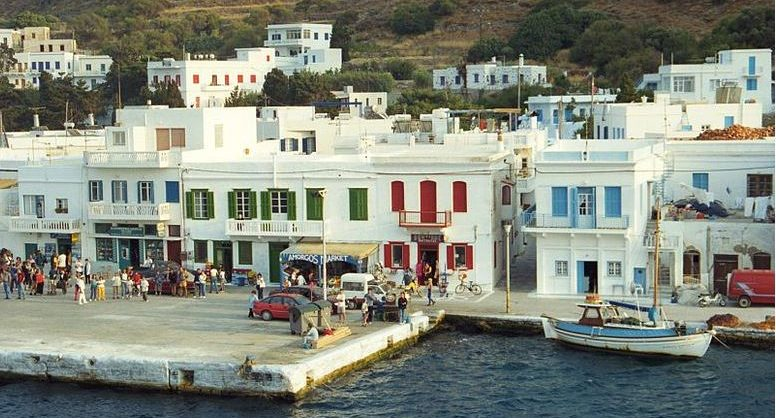 """Turqia i """"merr"""" ishullin Greqisë: Ngrihet edhe xhamia"""