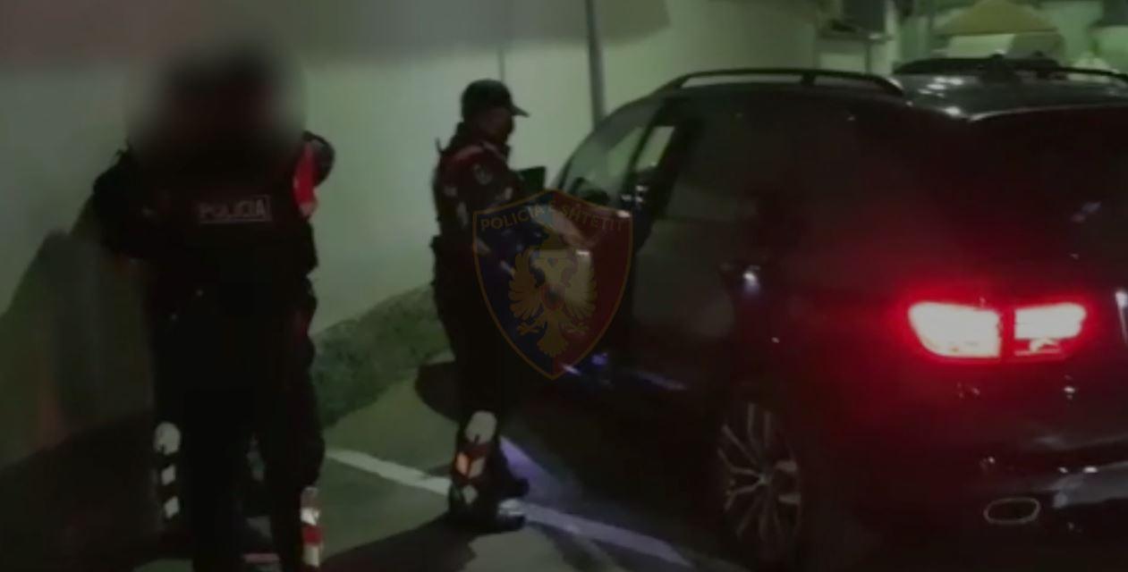 Po transportonin 12 emigrantë të paligjshëm, arrestohen 3 persona në Gjirokastër