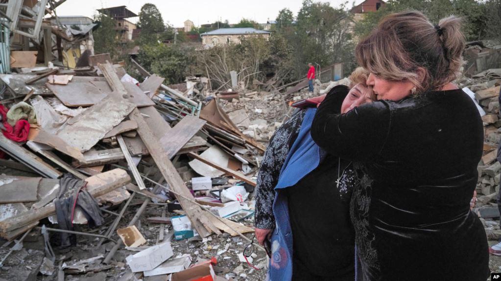 Armenia dhe Azerbajxhani fajësojnë njëra-tjetrën për shkeljen e armëpushimit humanitar