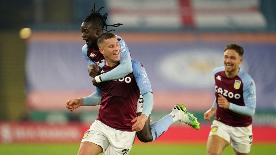 VIDEO / Aston Villa befasia e Premier League, Leicester dorëzohet në fund