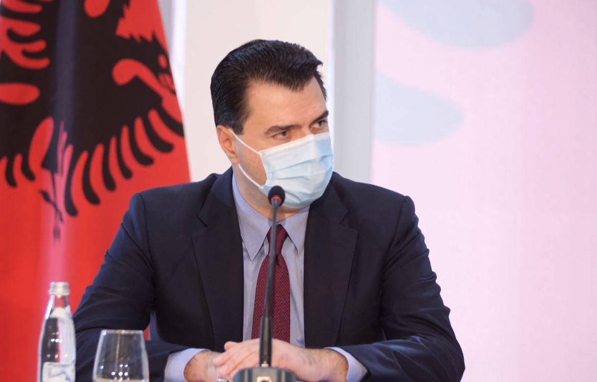 Covid 19, Basha: Qeveria pa plan, spitalet në kolaps, të sëmurët dergjen në ambulanca