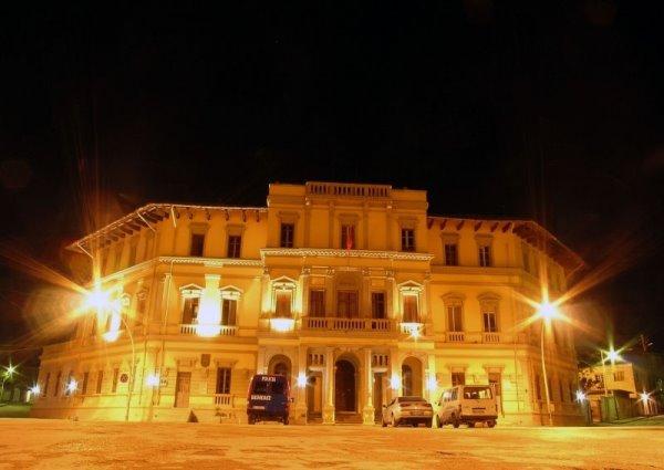 Covid-19 në institucione, konfirmohen pozitiv dy punonjës në Bashkinë e Vlorës