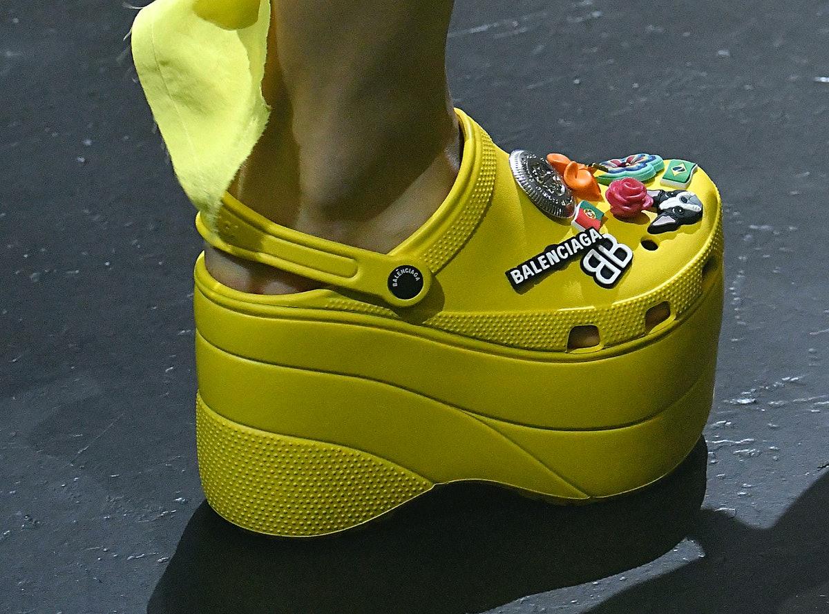 """Më në trend se kurrë, këto sandale po """"çmendin"""" modën"""