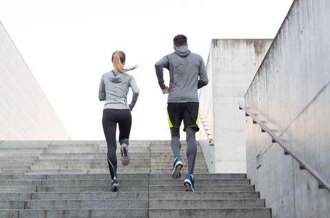 Studimi: Si të ndihmojnë 30 minuta ngjitje shkallësh në javë