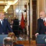 """Media greke zbulon prapaskenat e """"fitores"""":  Si i bëmë presion Tiranës për dërgimin e detit në Hagë"""