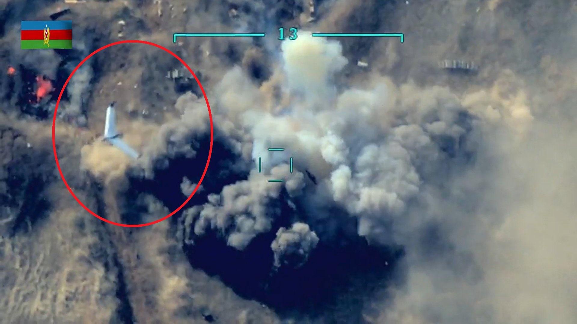"""VIDEO/ Droni azer sulmon artilerinë armene, kamera i zbulon për një moment """"sekretin"""""""