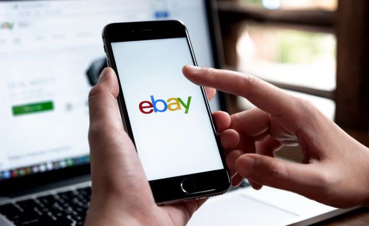 63-vjeçarja që mashtroi për 19 vite, vidhte mallra dhe i shiste në Ebay