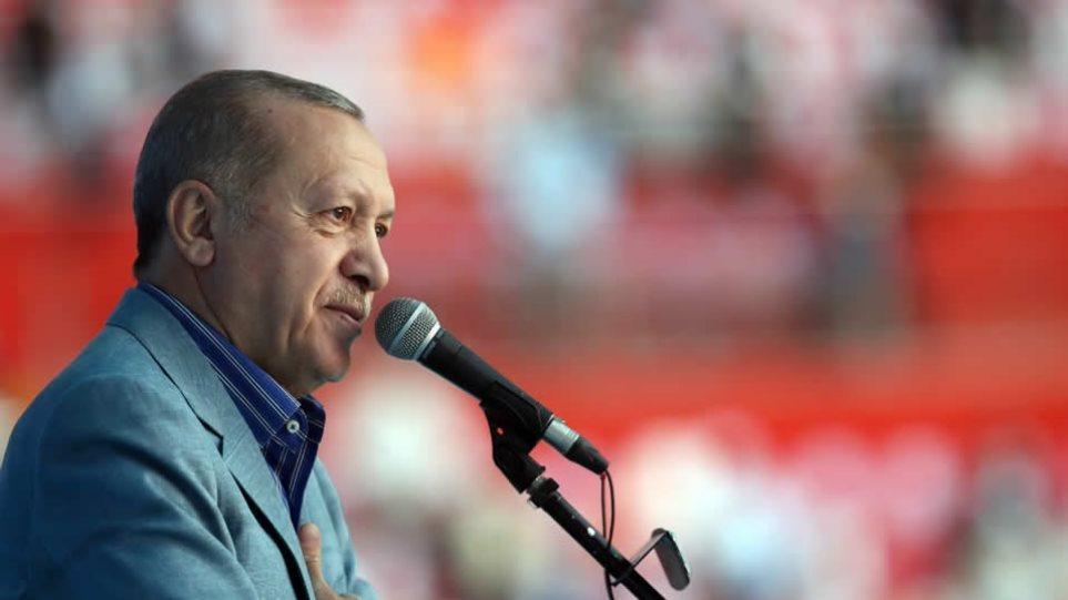 Erdogan sulmon sërish Macron: Është fashist, ka nevojë për psikiatër