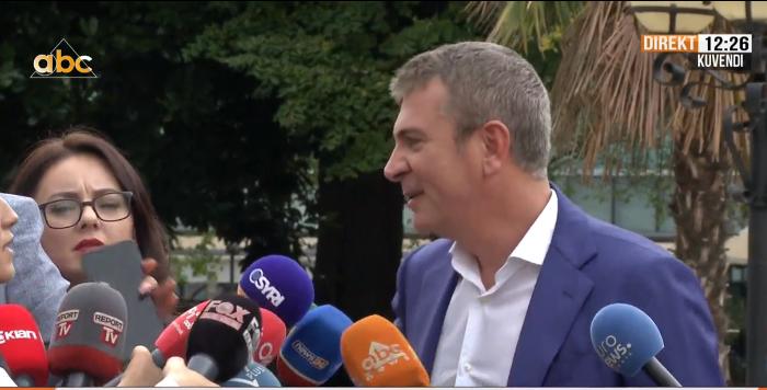Gjiknuri sqaron debatin me Valterin: Ai është aksident historik në parlament