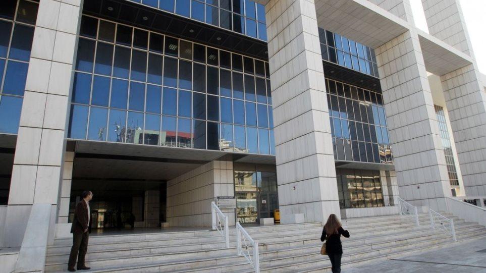 """Alarm për bombë në Gjykatën që shpalli """"Agimin e Artë"""" organizatë kriminale në Greqi"""