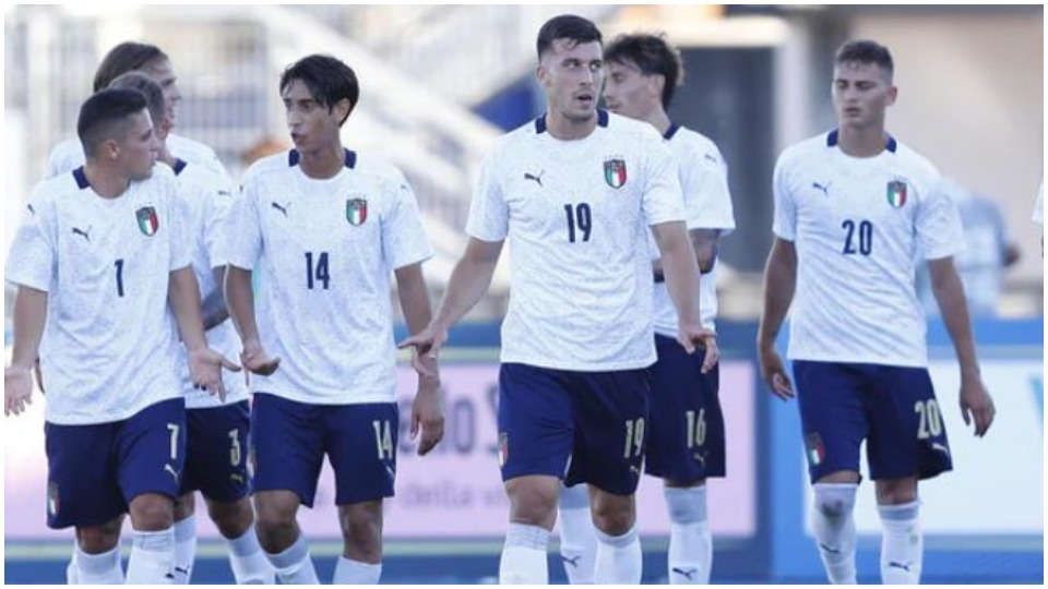 Italia U21 pret UEFA-n, kërkon të aktivizojë yjet që kaluan Covid-in