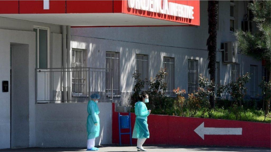 879 raste të reja dhe 8 humbje jete nga COVID në 24 orët e fundit në Shqipëri