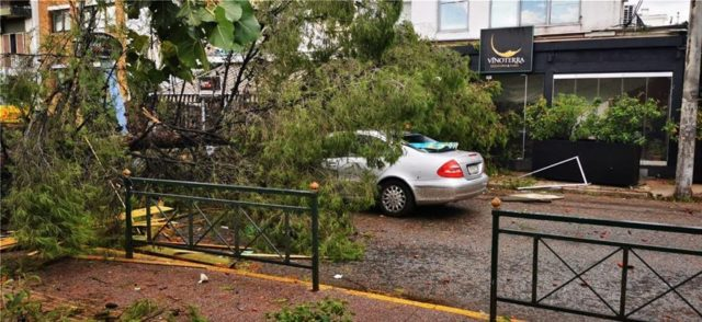 Stuhia godet Greqinë, raportohen dëmtime në disa zona