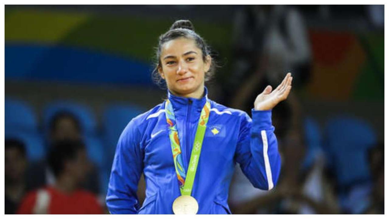 Majlinda Kelmendi nxjerr në shitje medaljen e arit, arsyeja do t'iu emocionojë