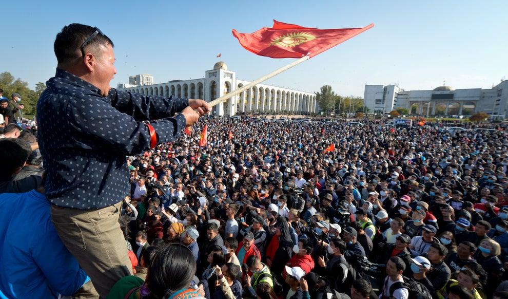 Anulohen zgjedhjet e kontestuara në Kirgizistan