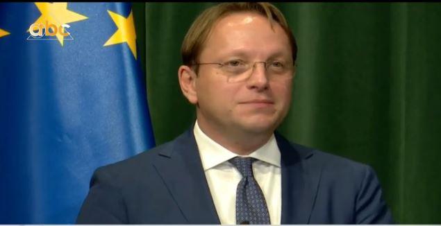 """""""Kodin po e analizojmë""""! Varhelyi: Të respektohet 5 qershori, partitë të marrin pjesë në zgjedhje"""