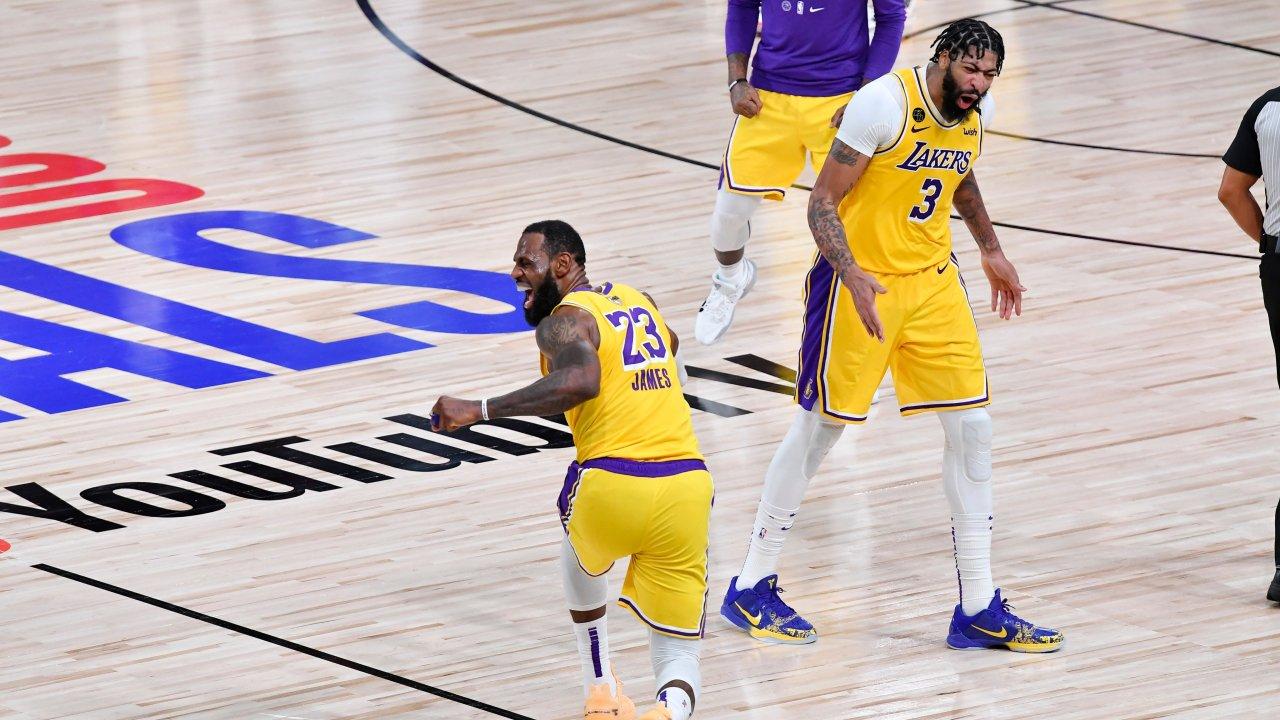 VIDEO/ NBA: LeBron James merr për dore Lakers, titulli një fitore larg