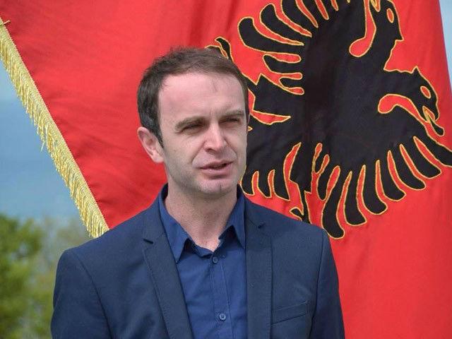 Nik Gjeloshaj heq dorë nga posti i deputetit: Do qëndroj në krye të Komunës së Tuzit