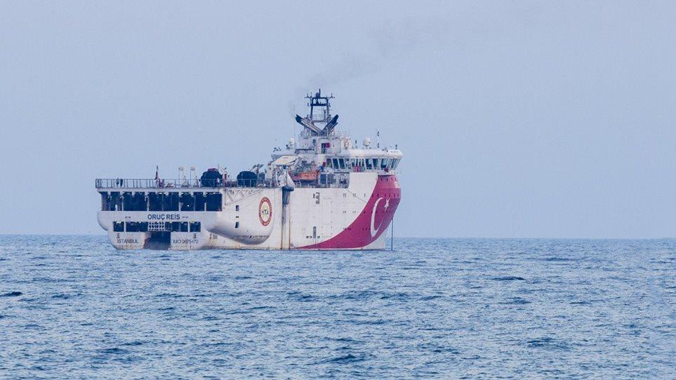 """Anija turke hyn në """"zonën e zjarrit"""", tensioni në kulm në Egje"""