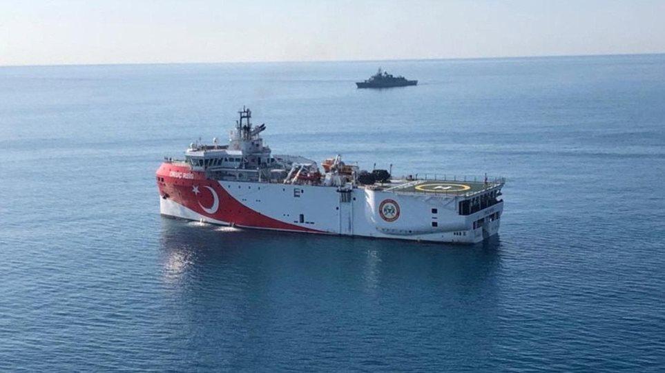Plot me karburant, gati për aksion: Turqia rikthen anijet në Egje