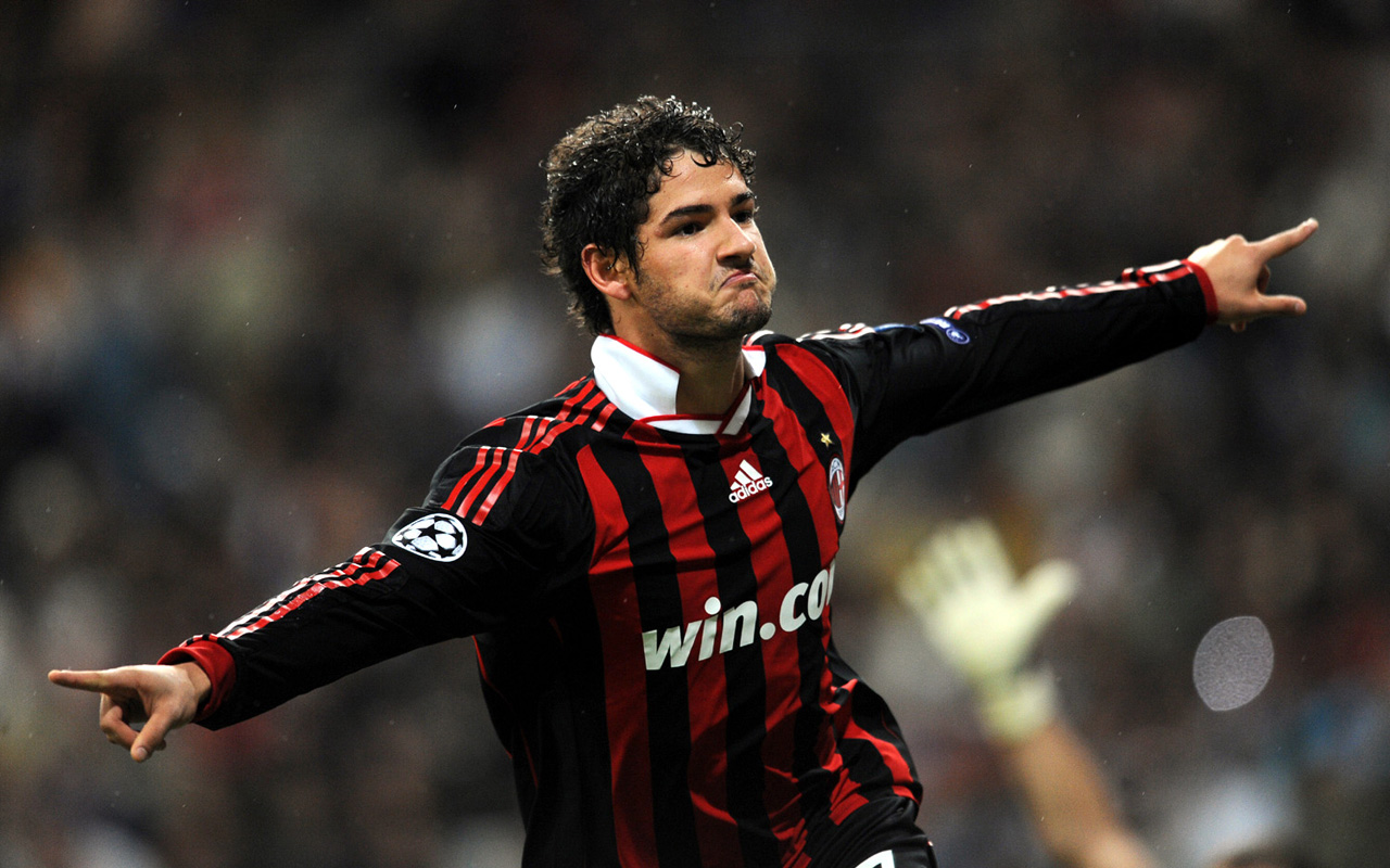 Projektohet rikthimi i Pato në Serie A, tre klube në garë për brazilianin