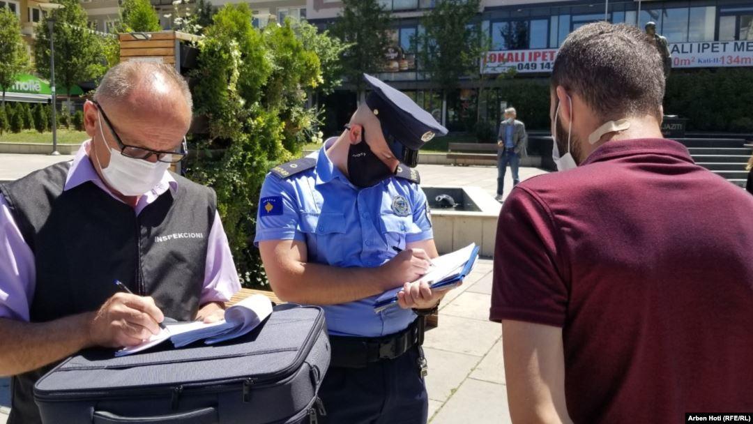 DOKUMENTI / Fleta e gjobës që do plotësojnë policët nga nesër nëse nuk do të keni maskë