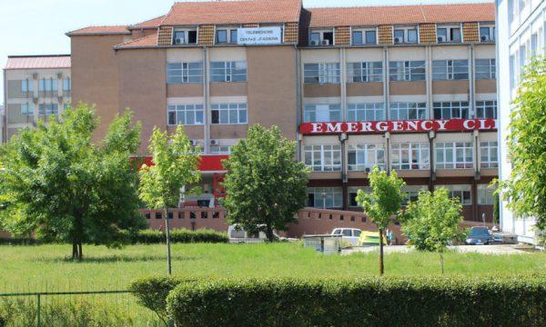 Aksident në rrugën e Aeroportit në Kosovë, plagosen 5 persona