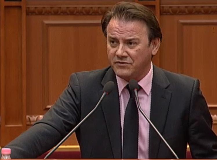 Ralf Gjoni: Rama e pranoi, kjo që po votohet sot është në dakordësi me Lulzim Bashën