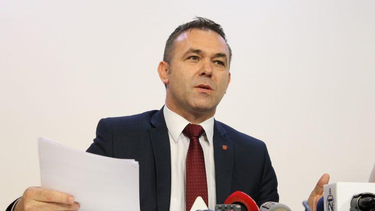 Selimi: Kushtetuta s'është Bibël as Kuran, ta ndryshojmë për bashkim me Shqipërinë