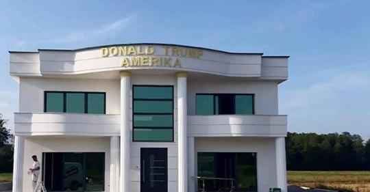 """Qytetari ndërton shtëpinë dhe i vendos emrin """"Donald Trump"""""""