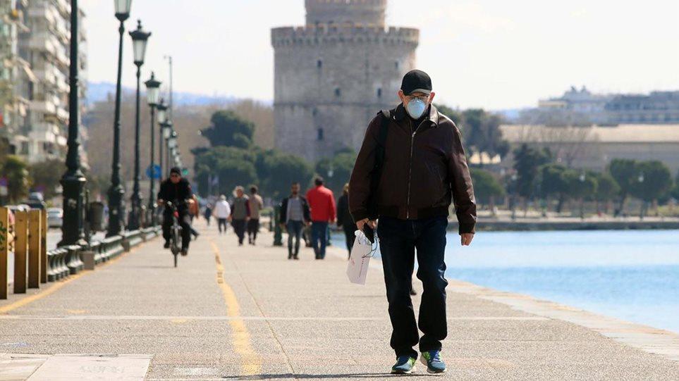 """""""Shpërthimi"""" i rasteve me Covid-19, Greqia zgjohet nesër me orë policore! Rajonet e kufizuara"""