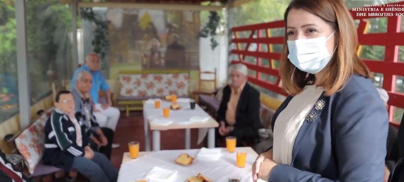 Manastirliu në Shtëpinë e të Moshuarve: Vaksinim falas kundër gripit, të mbrojmë gjyshet e gjyshërit