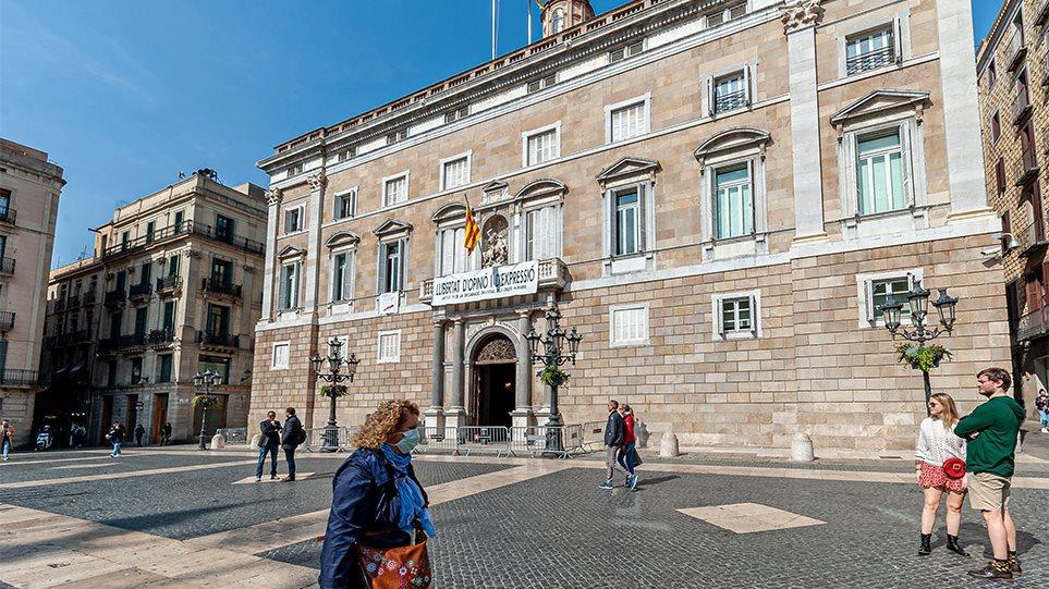 Shpërthim infeksionesh, Spanja zgjat gjendjen e jashtëzakoshme me 6 muaj