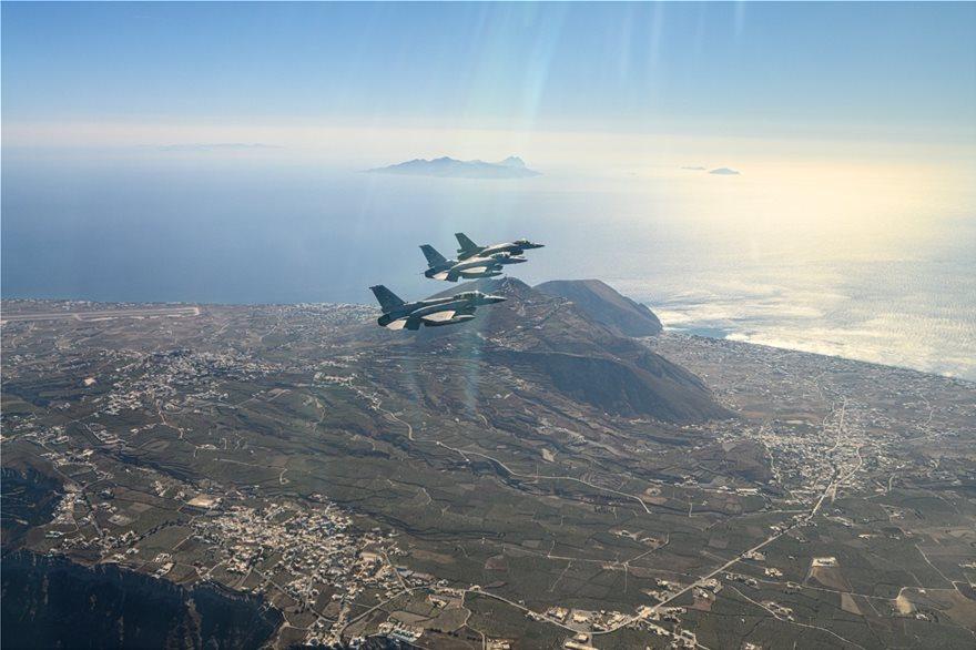 """""""Mbani frymën""""! Greqia i tregon forcën Turqisë, stërvitje ushtarake mbi Egje"""