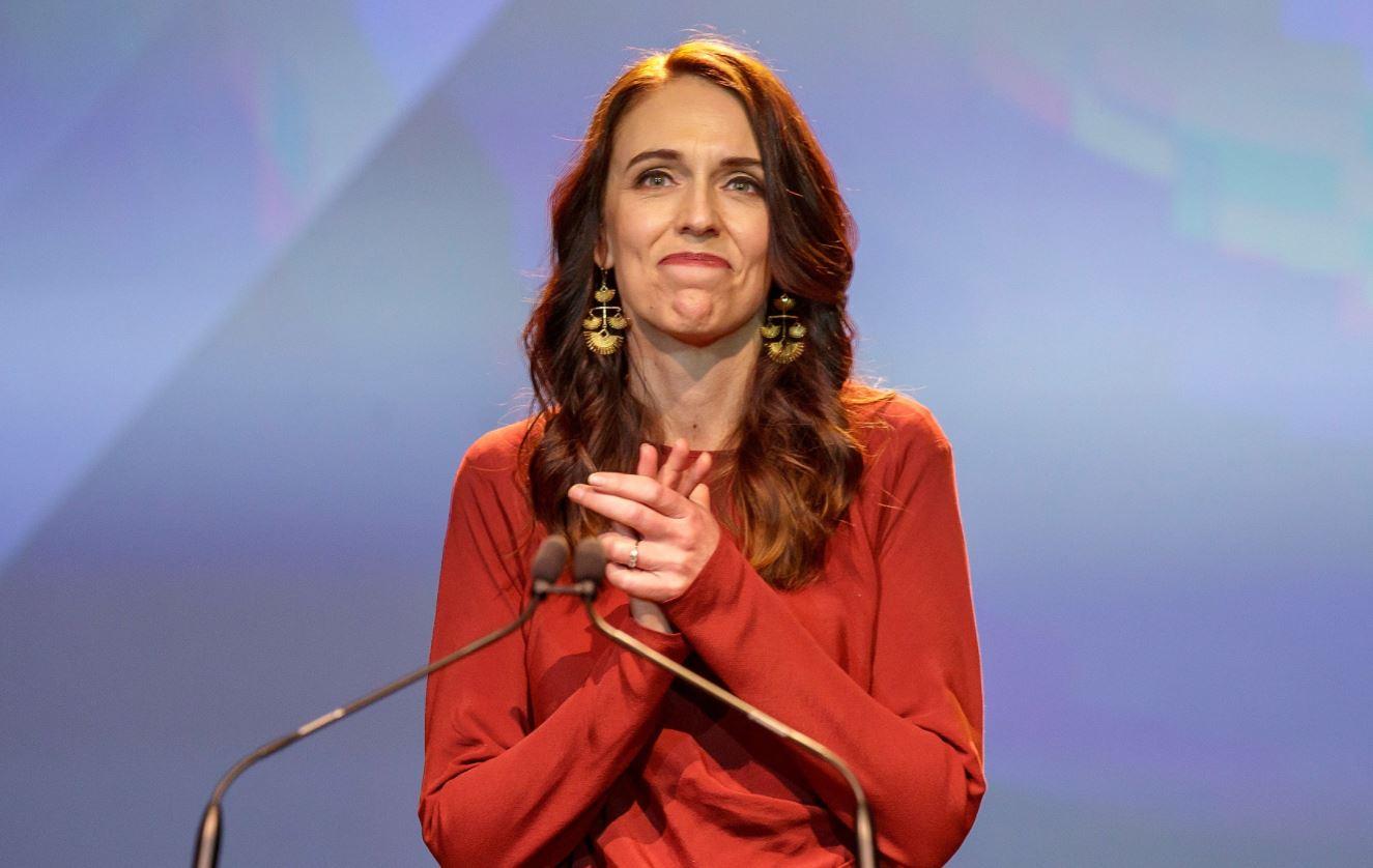 Fitorja historike, kryeministrja e Zelandës së Re pritet të formojë qeverinë e re brenda 3 javëve