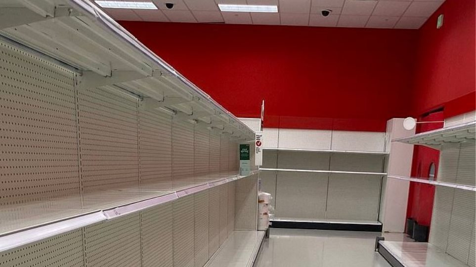 """Paniku """"mbërthen"""" SHBA-në, boshatisen supermarketet"""