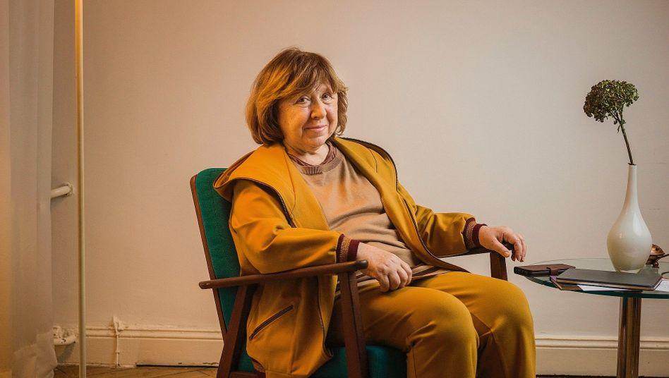 Nobelistja Svetlana Alexievich: Bjellorusia në prag të luftës civile, Evropa të ndërhyjë!