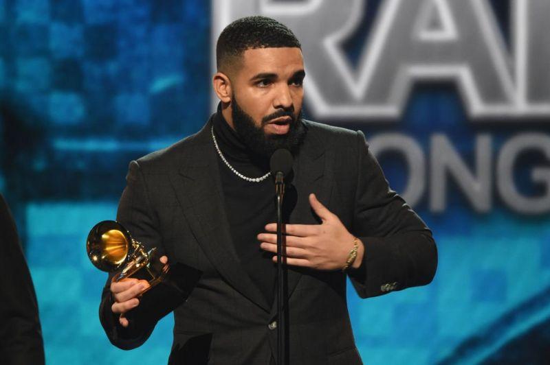 """""""Me fat që jam në këmbë"""", Drake jep lajmin e hidhur pas operacionit të vështirë"""